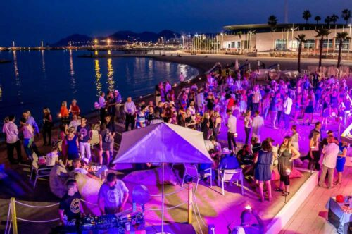 soiree_plage_cannes-500x332